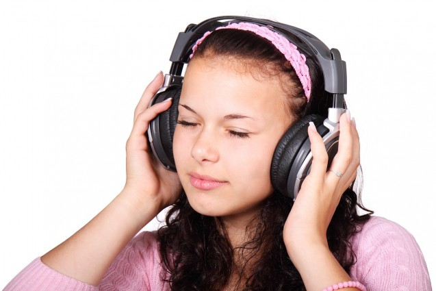 Loud Music And Increasing Use Of Headphones Risks Deafness In Later Life